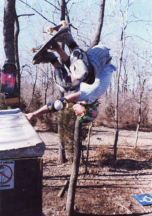 dan-tag-stale-fish-eggplant-girl-ramp-new-jersey-1987-photograph-jason-oliva.jpg