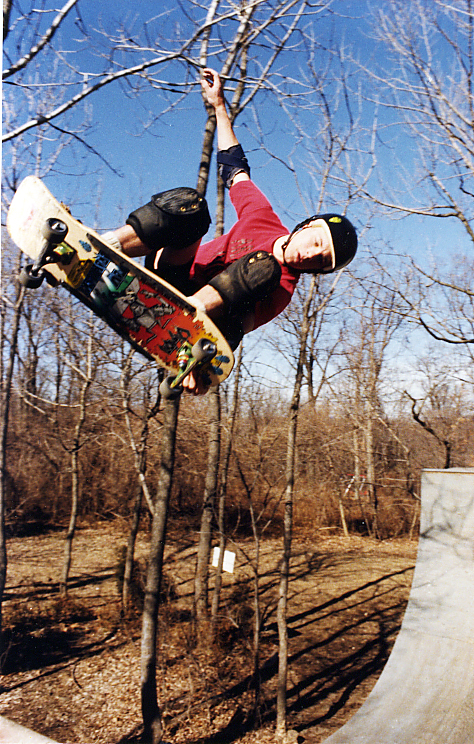 Tom Groholski Lien air over the channel at the Girl Ramp 1986