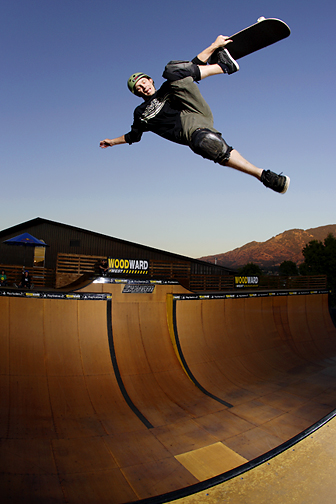 neal-hendrix-dogpisser-to-fakie-summer-2006-woodward-west.jpg